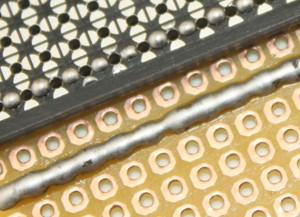 Vergleich Lötverbinding der Pads mit herkömmlicher Lochrasterplatine